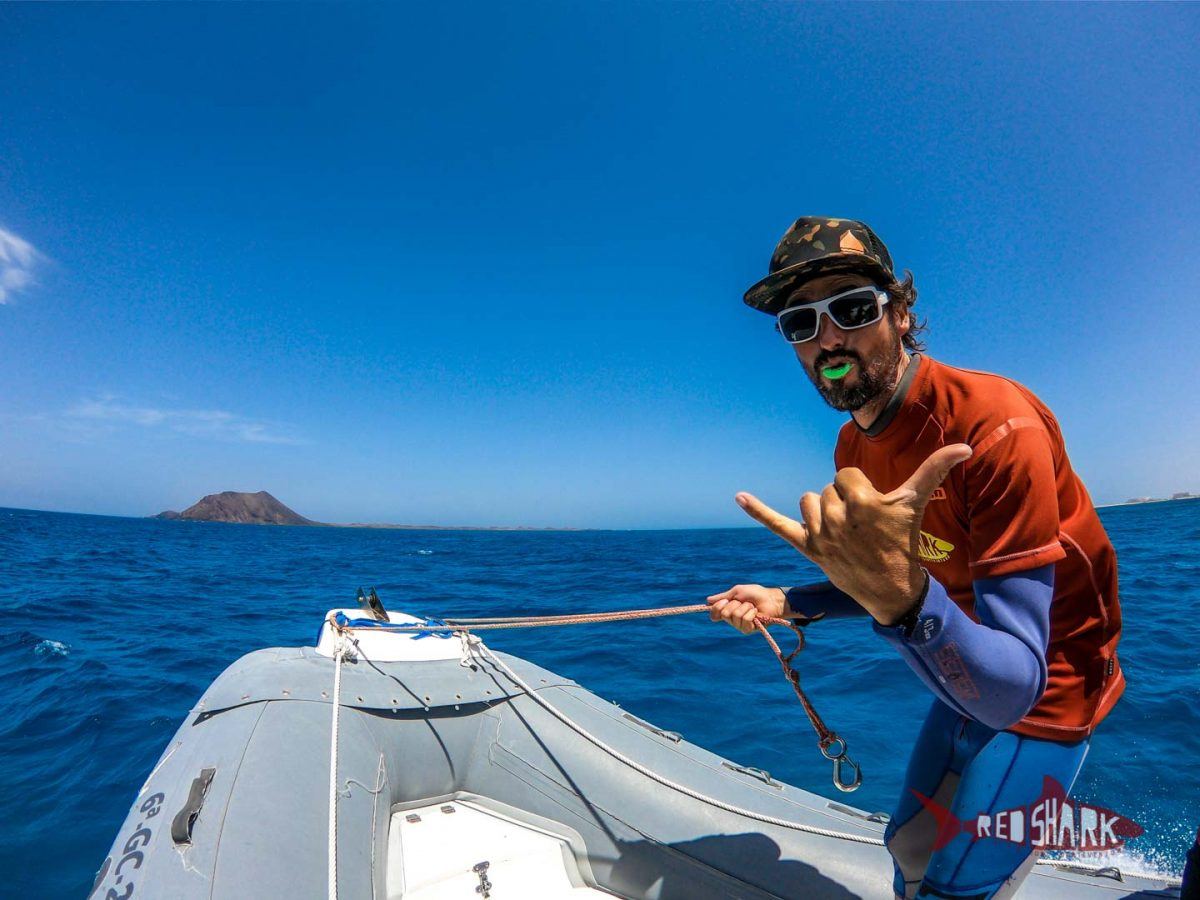 10 reasons to get private kitesurfing boat lessons in Fuerteventura.